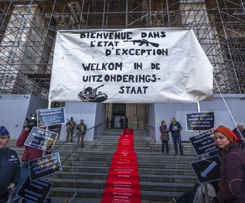 Protestations-Palais-Justice-Bx-500x413
