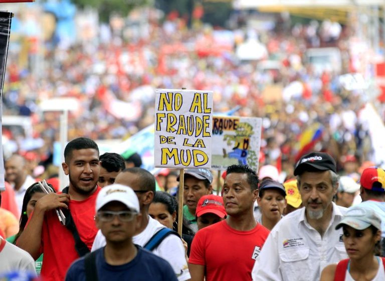 Demonstration of support to Maduro
