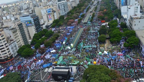 Half a million workers mobilise in Buenos Aires against the Macri government